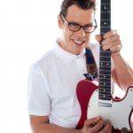 Datos sobre las marcas de guitarras más famosas, información sobre las marcas de guitarras más famosas, ejemplos de marcas de guitarras más famosas, características de las mejores marcas de guitarras, guitarras más famosas en el mundo, mejores modelos de guitarras en el mundo