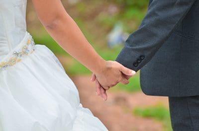 Las mejores frases de felicitaciones a una amiga que se casa| Saludos por  Boda
