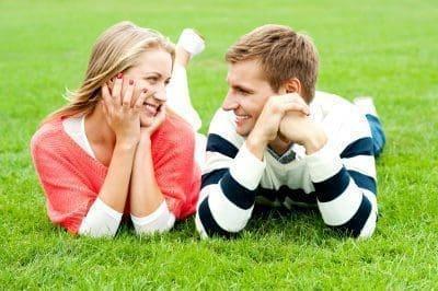Puede un hombre y una mujer ser buenos amigos
