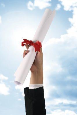 Bonitas Frases Para Un Recien Graduado | Felicitaciones por graduaciòn