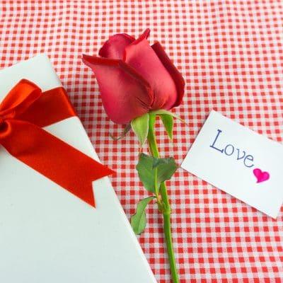 Lindos Mensajes De San Valentín Para Las Tarjetas De Regalo
